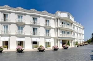 1, 2 ó 3 noches en AD en Gran Hotel Suances+ visita a bodega + cena