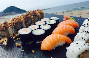 http://oferplan-imagenes.diariovasco.com/sized/images/bandejas-sushi-descuento-20150819-300x196.jpg