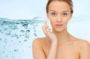 ¿Estragos en tu piel? La hidratación, el primer paso para una piel joven
