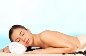 Equilibrio de Chakras con masaje y cromoterapia