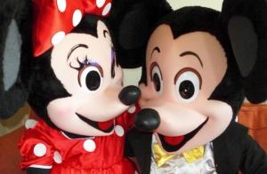 Vive la fiesta con Mickey y Minnie