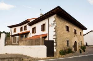 http://oferplan-imagenes.diariovasco.com/sized/images/fotos-casa-cadena-bano-20160218-300x196.jpg