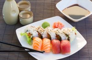 Bandeja de sushi de 15 o 24 piezas